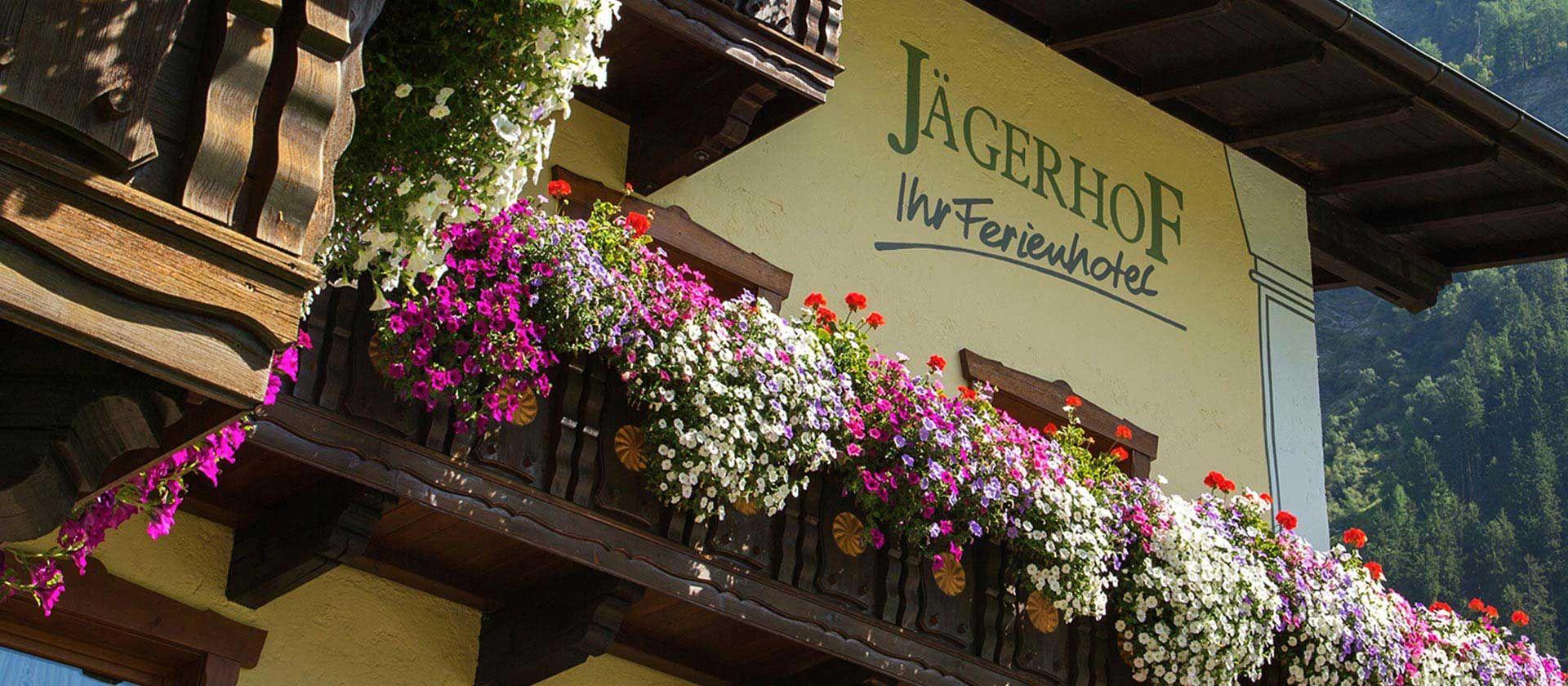 Hotel Jägerhof im Sommer - Foto: Hotel Jägerhof